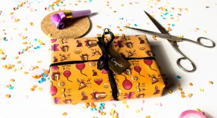 Emoticon free giftwrap